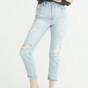 Annie Girlfriend Light Wash Distressed Jeans 2L
